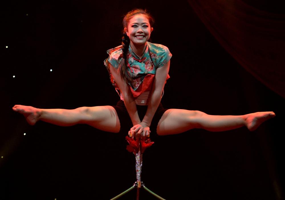 Die Akrobaten des chinesischen Nationalzirkus zeigen Kunststücke auf höchstem Niveau. Foto: Zirkus