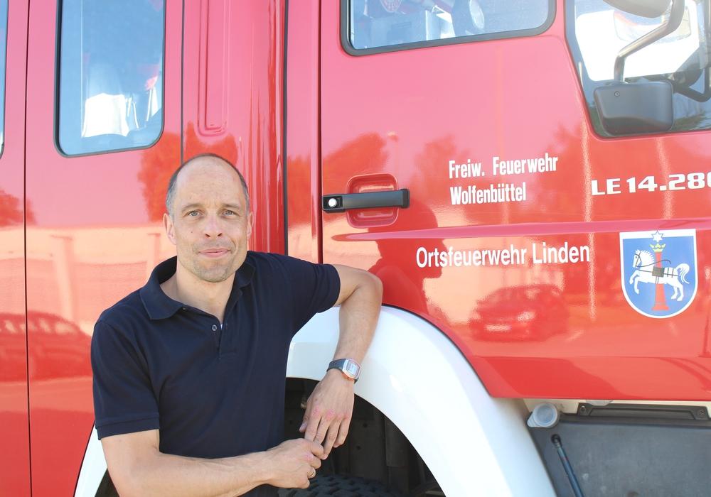 Marco Dickhut übernimmt das Ehrenamt des Ortsbrandmeisters für weitere sechs Jahre. Foto: Jan Borner