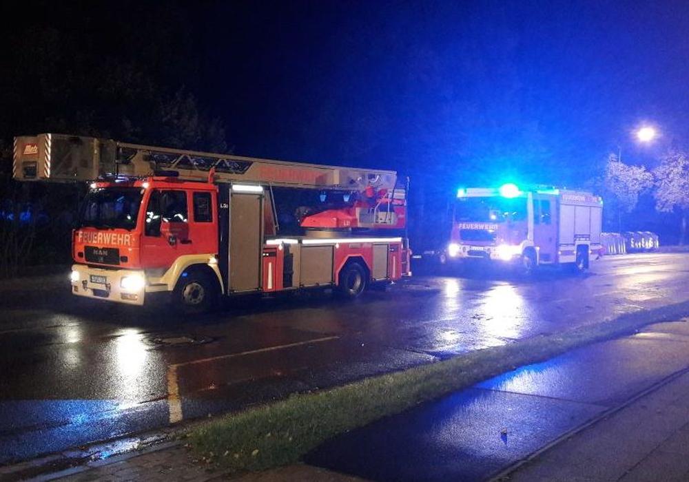 Die Feuerwehr Wolfenbüttel musste Montag zu zwei Einsätzen ausrücken. Fotos: Feuerwehr Wolfenbüttel