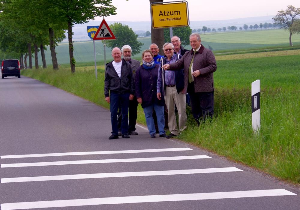 Horst Neubauer, Helmut Lüttge, Henrike Holtmann, Bernd Seikowsky, Jürgen Lingelbach, Claus-Jürgen Schillmann und Frank Oesterhelweg. Foto: Jürgen Kühne