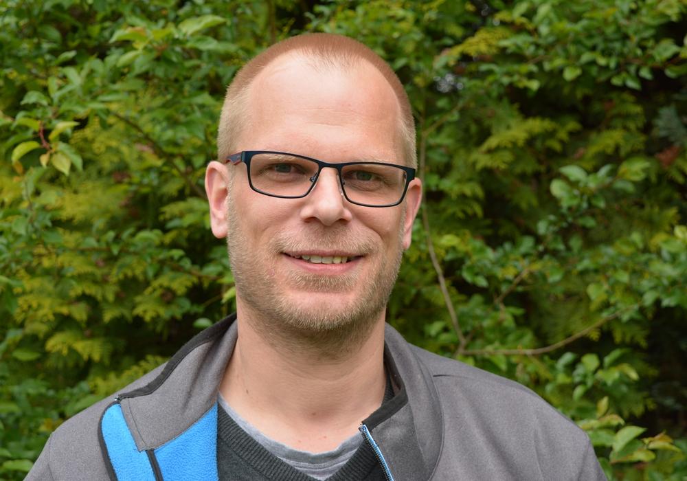 Axel Steiner möchte gerne ein Konzept für einen Jugendgottesdienst mit Wiedererkennungswert entwickeln. Foto: Kirchenkreis
