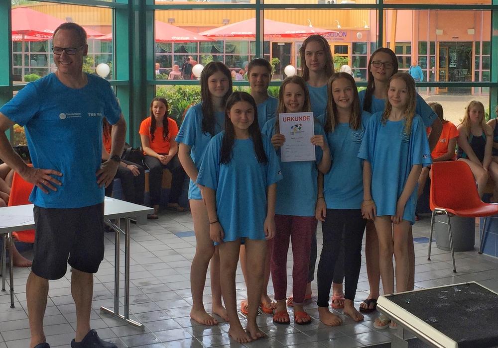 Die WK-III-Mädchen belegten am Ende einen dritten Platz. Foto: Florian Gutnoff