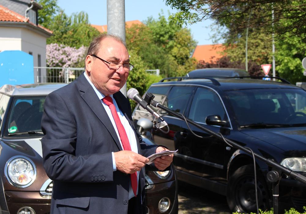 Bürgermeister Karl-Heinz Mühe bedauert die Verzögerung. Archivfoto: Max Förster