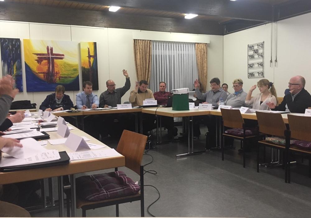 Der Ortsrat tagte am heutigen Donnerstag im Gemeindesaal der Kirche in Bleckenstedt. Foto: Alexander Dontscheff