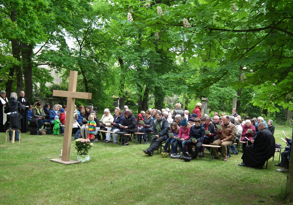 Himmelfahrtsgottesdienst auf dem Magni-Friedhof. Foto: Kirche