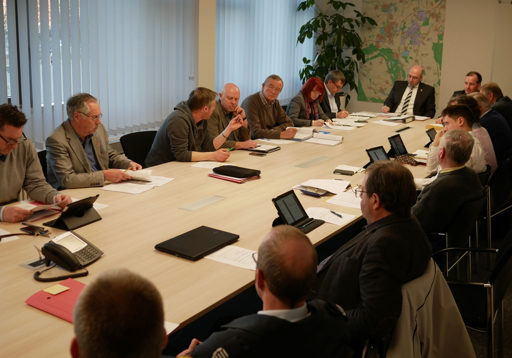 "Der Finanzausschuss diskutiert über ""Wasserburg"". Foto: Alexander Panknin"