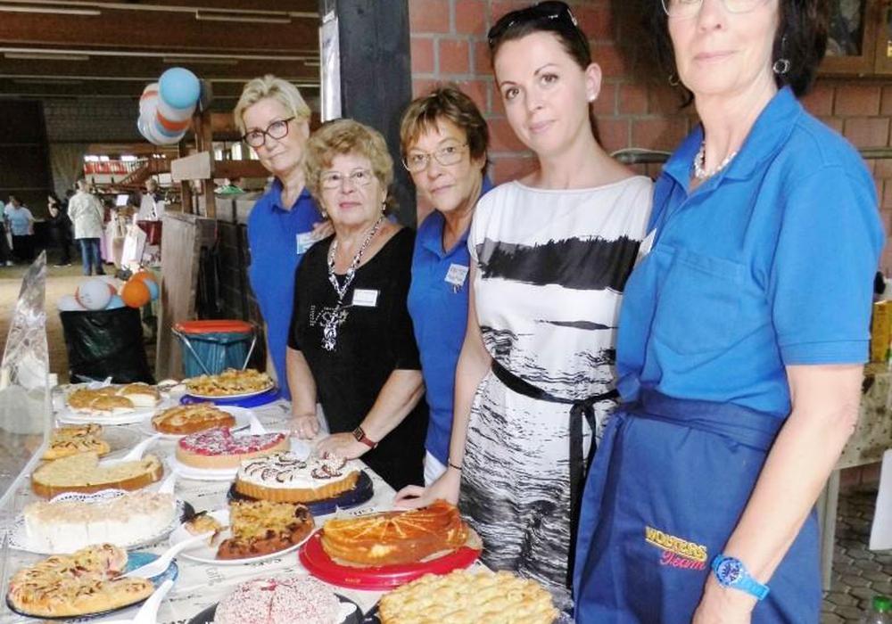Ein leckeres Kuchenbuffet erwartete die Gäste. Foto: Andreas Meißler