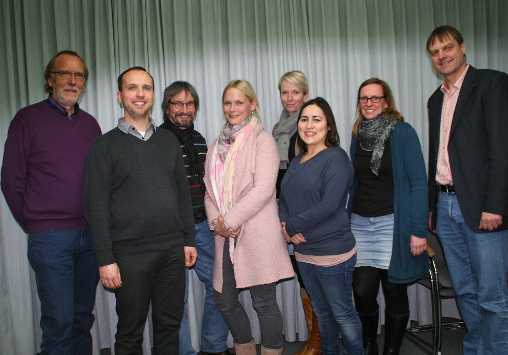 Mitglieder der IGS Initiative und der Cremlinger Bürgermeister Detlef Kaatz. Foto: IGS-Initiative Sickte / Cremlingen