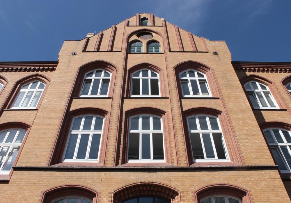 Der Neubau für die gymnasiale Oberstufe der IGS Wallstraße wird nun doch teurer. Symbolfoto: Anke Donner