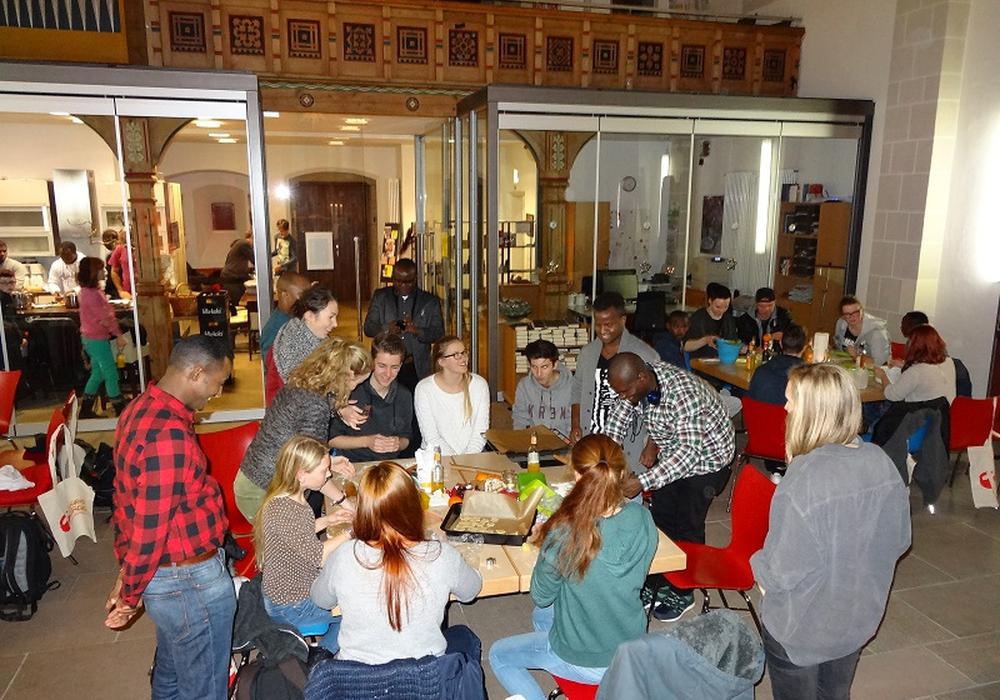 Die Jugendkirche Braunschweig kocht international. Foto: Jugendkirche Braunschweig