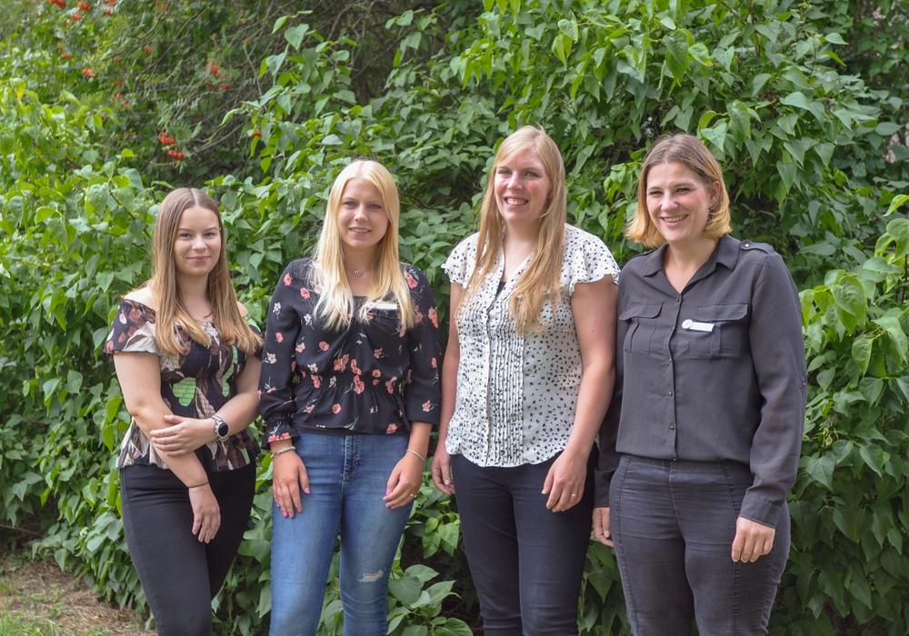 Für Kristin Blach, Nadine Rudolph, Tanja Bangemann und Jacqueline Lüllwitz hat Anfang August die Ausbildung zur Kauffrau für Büromanagement beim DRK-Kreisverband Wolfenbüttel begonnen. Foto: DRK