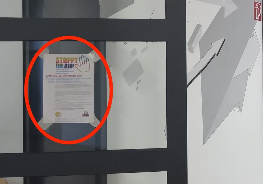 An zwei Braunschweiger Schulen (Hier an der Gaußschule) wurden Demoaufrufe gegen den AfD-Bundesparteitag in Braunschweig am vergangenen Wochenende verbreitet. Die Landesschulbehörde bestätigt eine Dienstaufsichtsbeschwerde der AfD gegen das verbreiten solcher Materialien. Foto: AfD