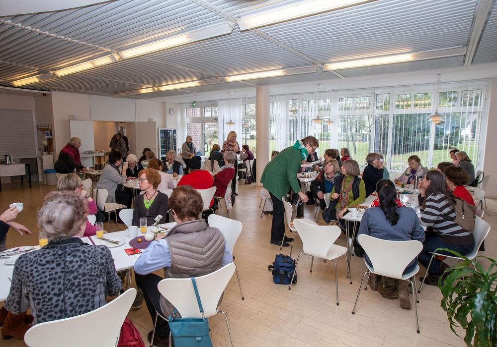 Anlässlich des Weltfrauentags am 8. März luden die Gleichstellungsbeauftragten von Stadt und Landkreis zum internationalen Frühstück ein. Foto: Alec Pein