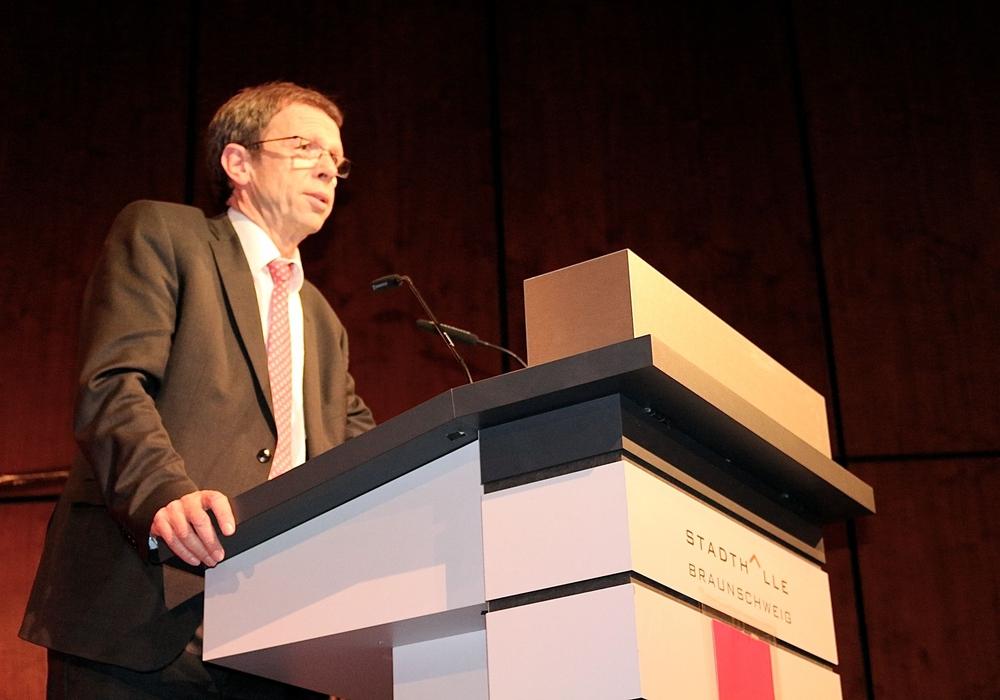 Der Oberbürgermeister der Stadt Wolfsburg, Klaus Mohrs, will Rede und Antwort stehen. Foto: Archiv/ Sina Rühland