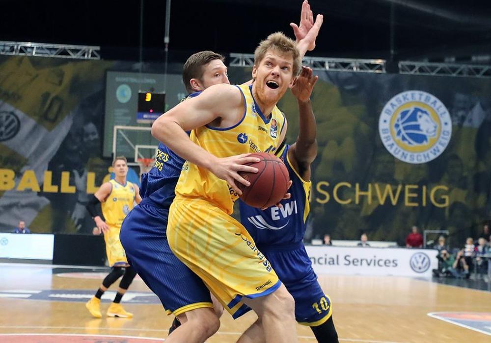 Bei seinem ersten Allstar Game erzielte Löwen-Center Scott Eatherton 16 Punkte. Foto: Agentur Hübner/Archiv