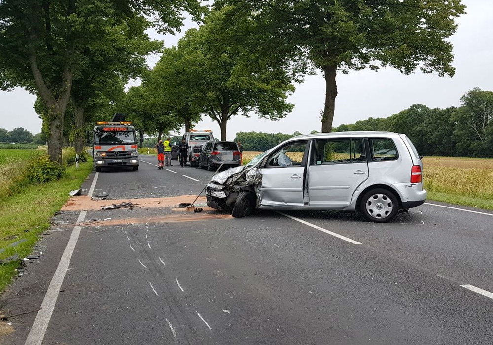 Erst am gestrigen Sonntag hat es auf der B 4 zwischen Meinholz und Thune wieder einen schweren Unfall mit sechs Verletzten gegeben. Foto:  aktuell24 (DC)