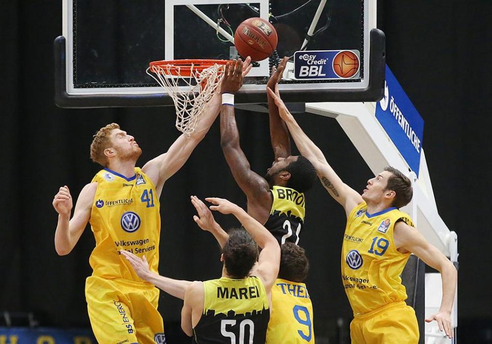 Die Basketball Löwen feierten am Sonntag einen überraschenden Erfolg gegen den Tabellenvierten medi Bayreuth. Foto: Agentur Hübner