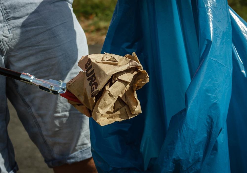 Müll sammeln, Abfall, Symbolfoto: Pixabay