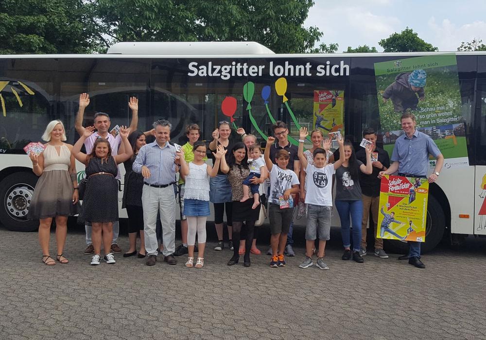 Die Schüler freuten sich über ihre Auszeichnung. Foto: Bäder, Sport und Freizeit Salzgitter GmbH