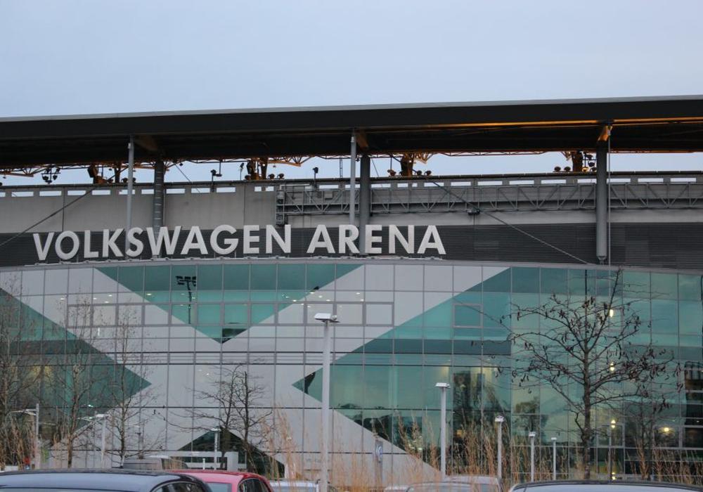 Die Volkswagen Arena kam ganz schön ins Wanken. Foto: Magdalena Sydow