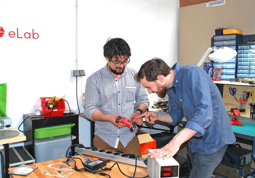 Chris Töppe (links) und Frithjof Hansing gründeten gemeinsam das Protohaus in Braunschweig. Foto: Jürgen Sperber