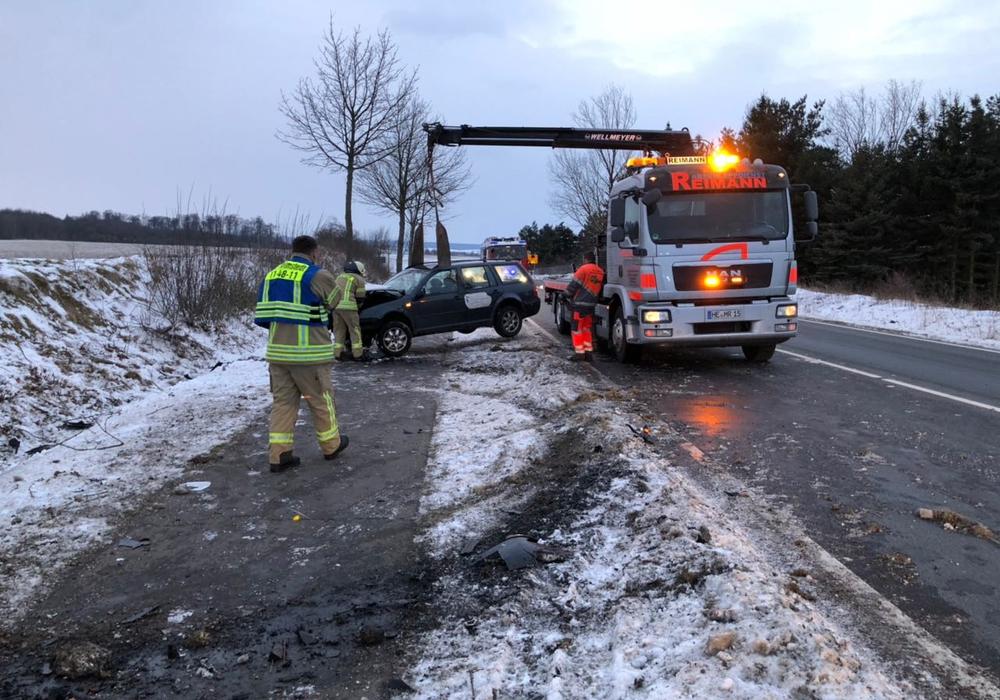 Auf der B1 kam es zu einem Unfall. Foto: Feuerwehr Helmstedt