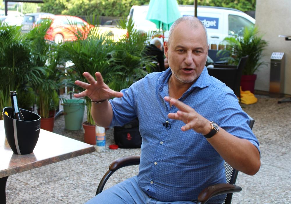 """""""Wir machen das hier mit Hingabe"""", sagt Frank Rosin über seine Arbeit. Hier in einem anderen Restaurant als dem """"Manu"""". Symbolfoto: André Ehlers"""