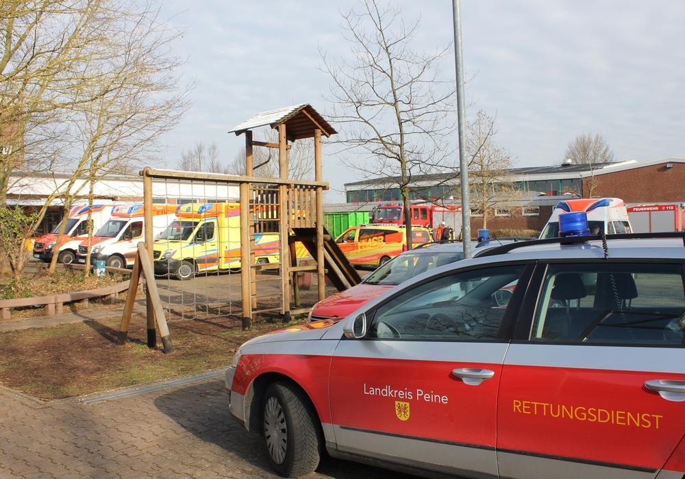 Die Feuerwehr rief die zweithöchste Alarmierungsstufe aus. Foto: Feuerwehr