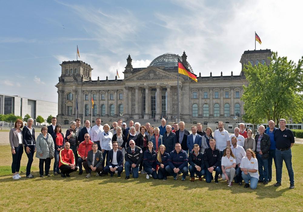 50 Personen aus dem Kreis Helmstedt–Wolfsburg sind der Einladung des SPD-Bundestagsabgeordneten Falko Mohrs gefolgt. Foto: Bundesregierung/Atelier Schneider