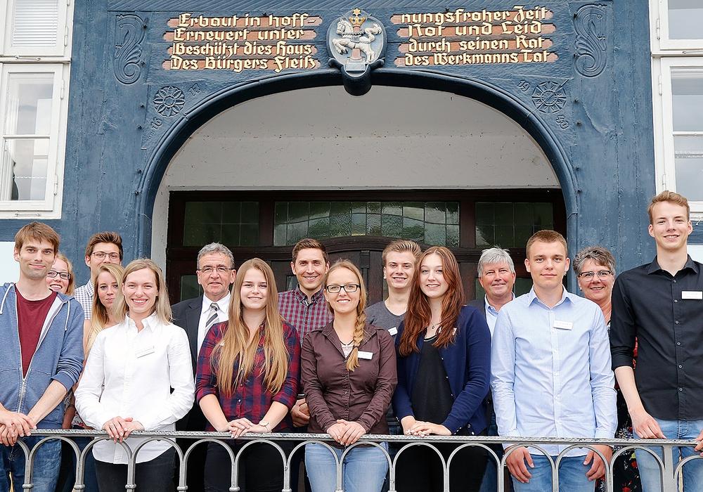 Die Auszubildenden bei ihrer Begrüßung. Foto: Stadt Wolfenbüttel