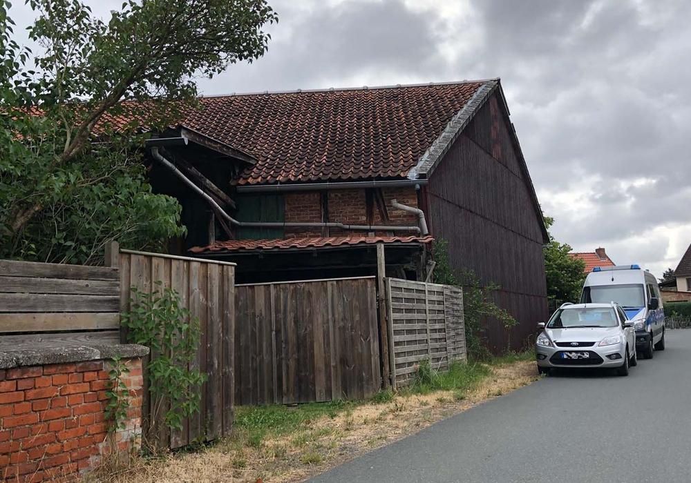 In Gustedt wurde ein Hof samt Gebäuden untersucht. Fotos: Karliczek