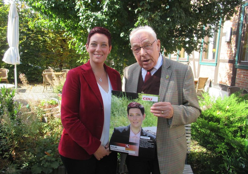 Sarah Grabenhorst-Quidde, neue JU Kreisvorsitzende im Gespräch mit Dieter Lorenz. Foto: Lorenz