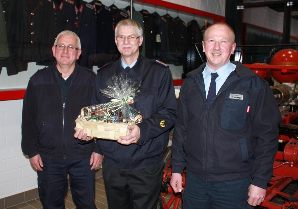Klaus Kiehne, Uwe Fricke und Michael Beyer. Foto: Feuerwehr, Kreispressegruppe