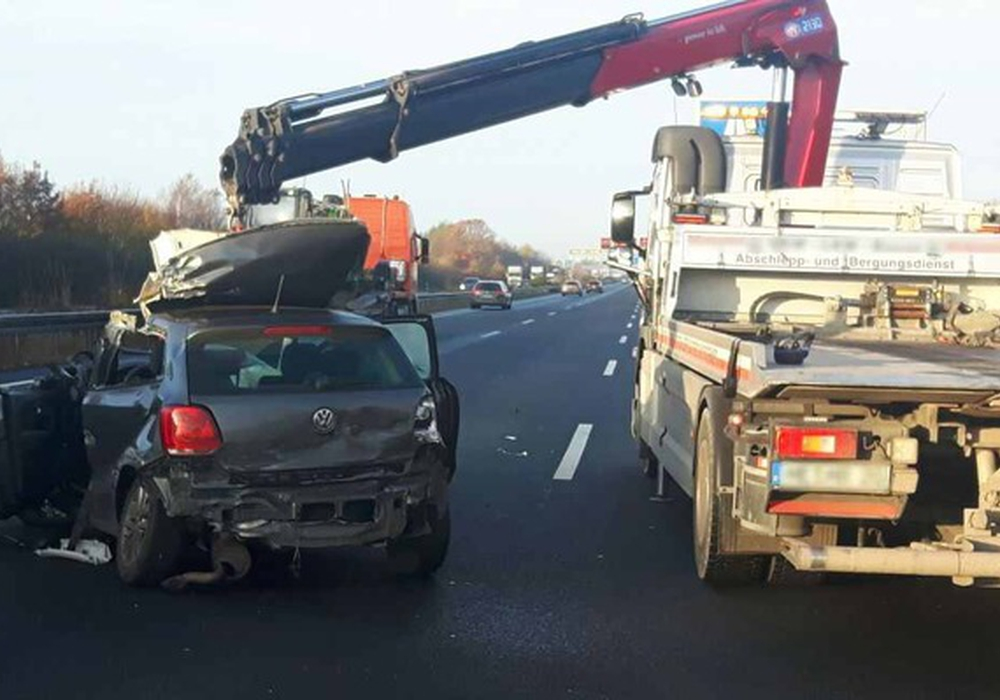 Auf der A2 kam es zu einem schweren Unfall. Foto: Polizei