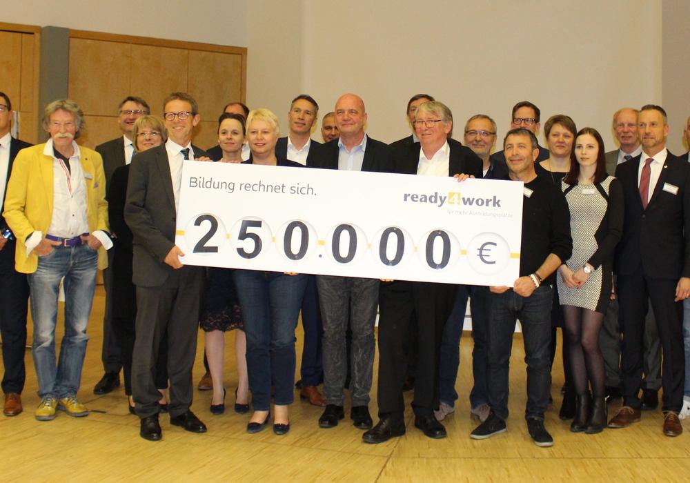 250.000 Euro gibt es vom Aktionsbeirat für ready4work. Foto: Eva Sorembik