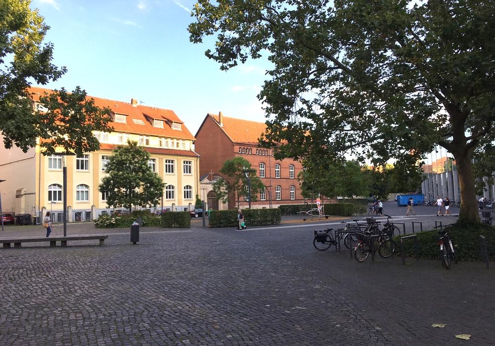 Am äußeren Erscheinungsbild des Herzogin-Anna-Amalia-Platzes wird sich wohl vorerst nichts ändern. Foto: Alexander Dontscheff