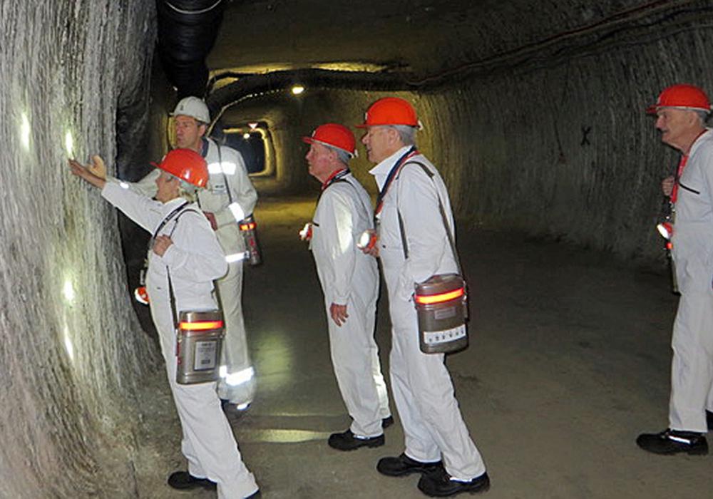 Unter Tage konnten sich die Arbeitskreismitglieder über die Nutzung des Bergwerks informieren. Foto: Kreisverkehrswacht Helmstedt