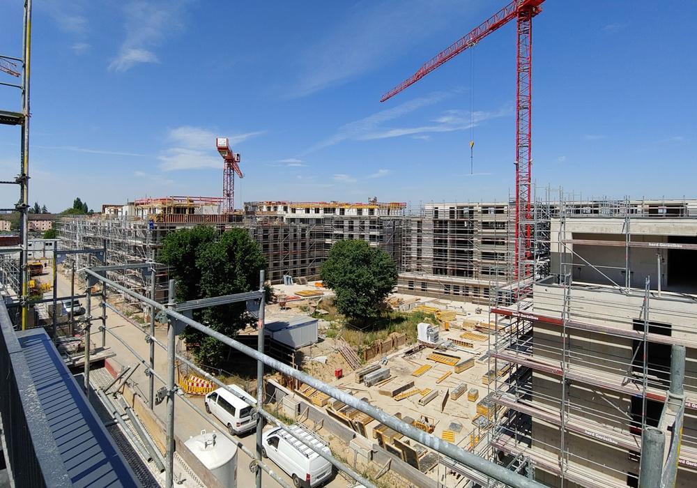 Hier entsteht viel Wohnraum. Von oben werden die Ausmaße des großen Baugebietes erst richtig ersichtlich. Fotos: Alexander Panknin
