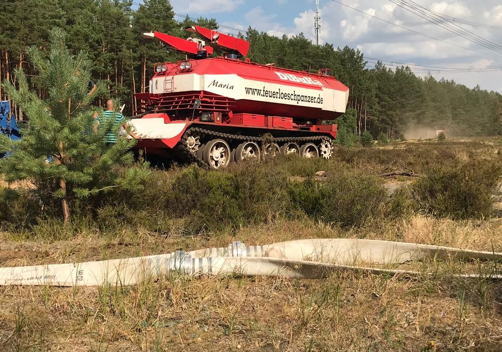 Die Feuerwehr aus Braunschweig ist in Potsdam im Einsatz. Fotos:  Feuerwehr Braunschweig