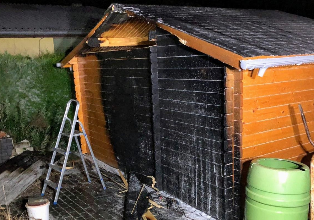 In Helmstedt brannte eine Gartenlaube. Foto: Feuerwehr Helmstedt