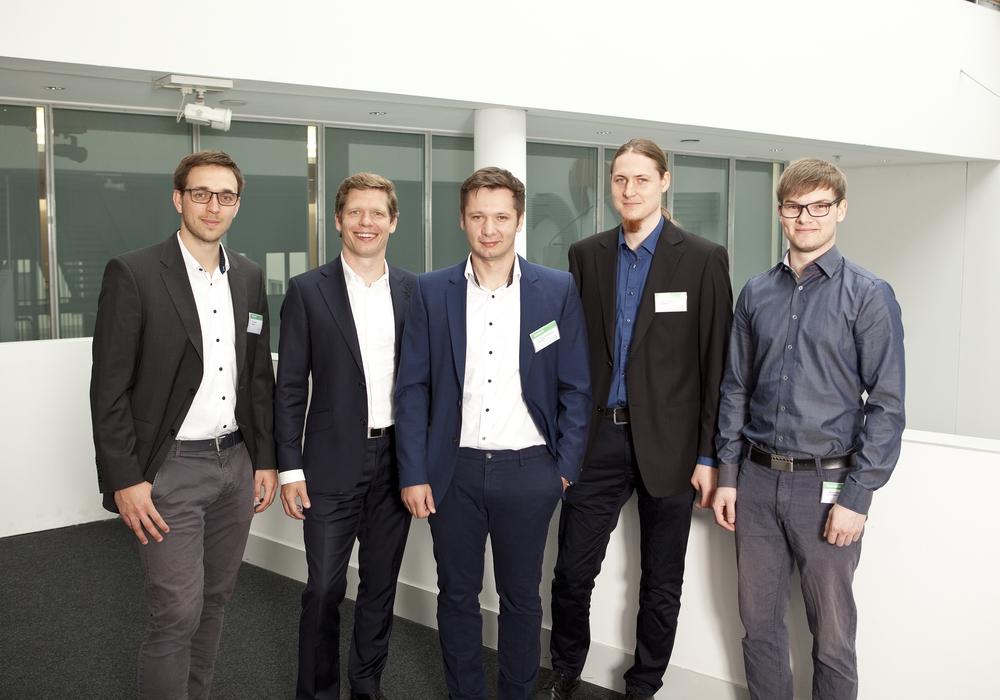 Felix Geilert, Robin Gast, Dr. Silviu Homoceanu, Dennis Klose, Niklas Kiehne (v. li.). Foto: Wirtschaftsförderung Dortmund