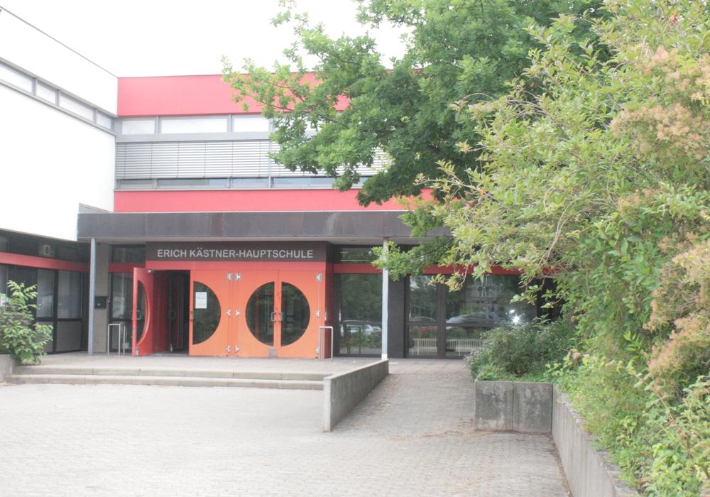 Die Stadt- und Kreiselternräte informierten über Oberschulen in der Erich-Kästner-Hauptschule. Symbolfoto: Anke Donner