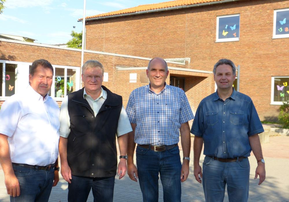 Uwe Lagosky, Dietmar Fricke, Dirk Rautmann und Henning Plumeyer besuchten die Elm-Asse-Schule. Foto: CDU