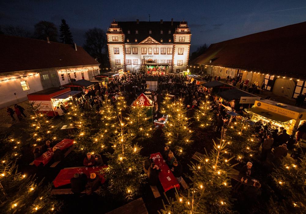 Der Adventstreff vor dem Schloss Salder. Foto: Stadt Salzgitter