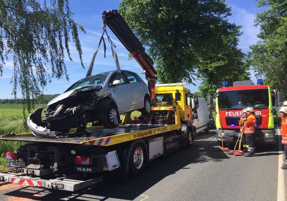 Am Donnerstagnachmittag kam es auf der B 248 zu einem Verkehrsunfall. Fotos: Alexander Panknin