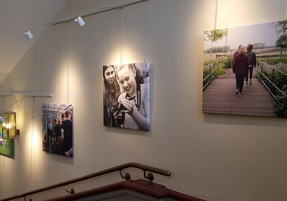 Bilder der Schüler aus Sickte werden ausgestellt.