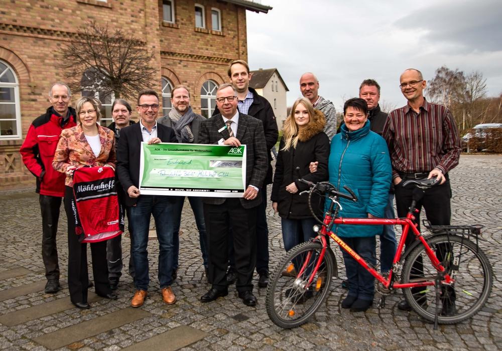 Die 1.000 Euro sollen wieder in die Fahrradgruppe investiert werden. Foto: Rudolf Karliczek