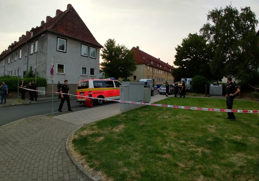 Am Montagabend wurde eine 30-Jährige von ihrem ehemaligen Lebensgefährten im Jägerweg erschossen. Foto: Werner Heise