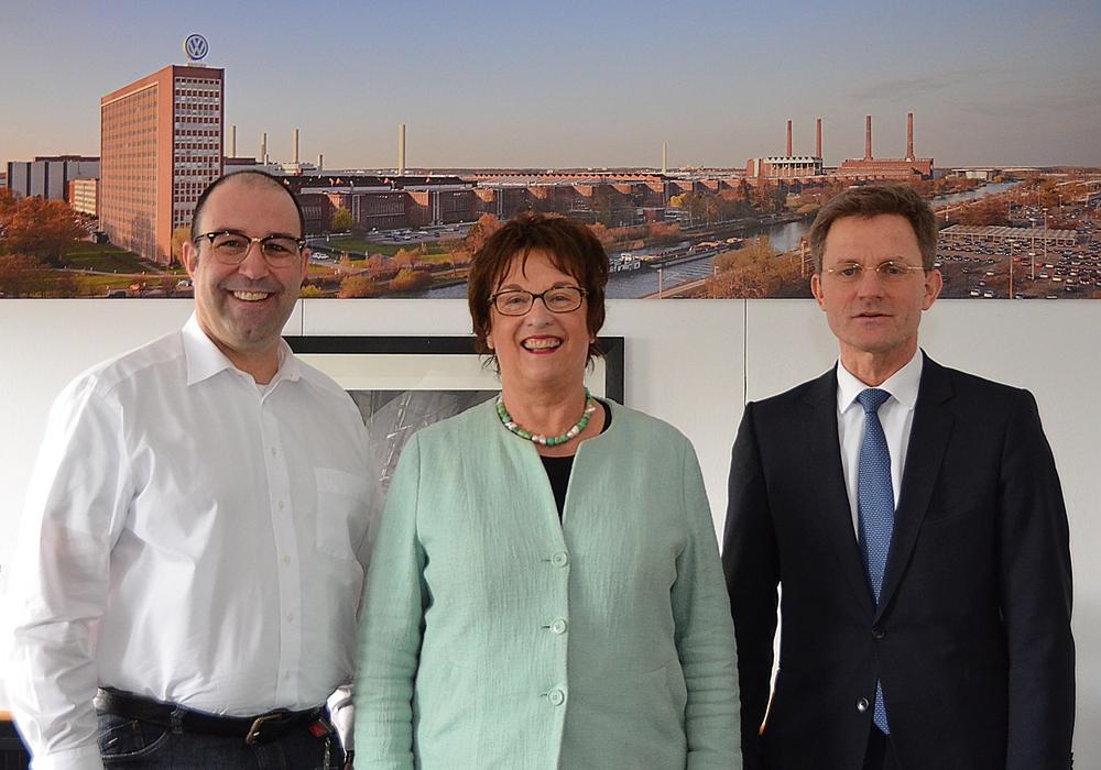 Stephan Wolf, Brigitte Zypries und Christian Bleiel. Foto: Volkswagen Betriebsrat