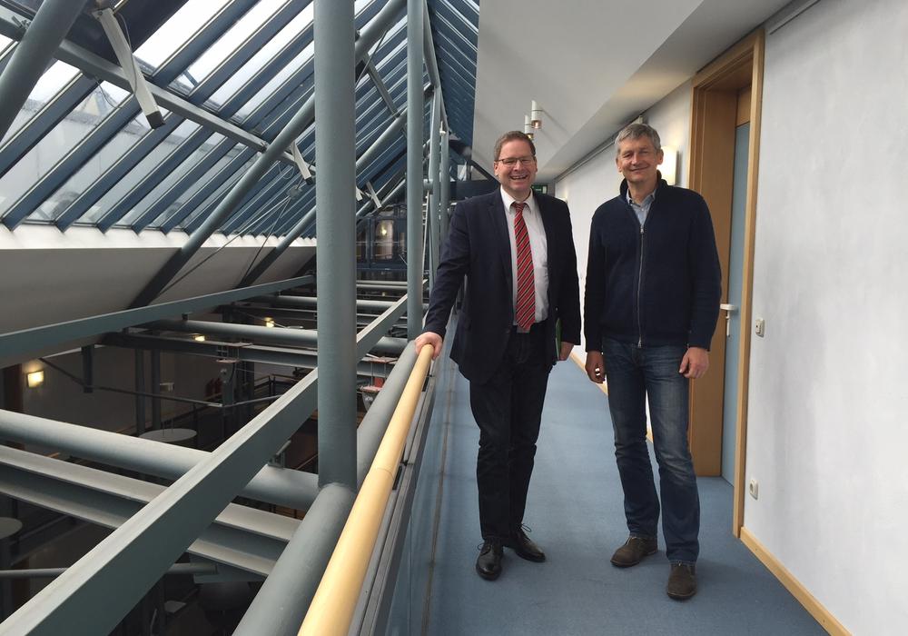 SPD-Landtagsabgeordneter Marcus Bosse (links) traf sich mit Wolfram König, dem Präsidenten des Bundesamtes für Strahlenschutz . Foto: Privat
